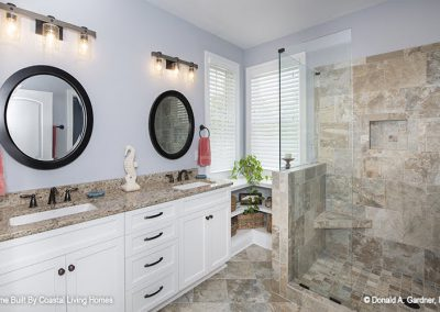923-Master_bathroom
